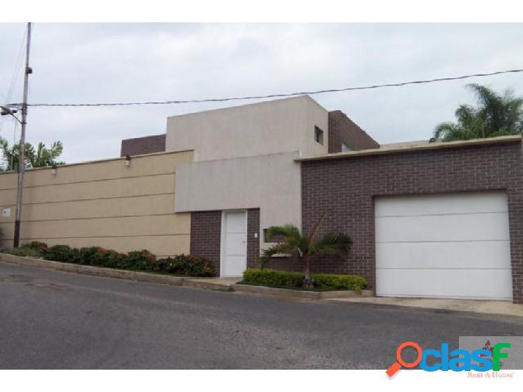 Venta de Casa en el Manzano Flex 19-2455