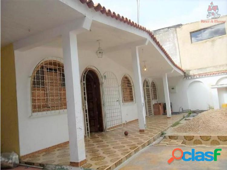 Casa en Venta La Esmeralda Om 18-8035
