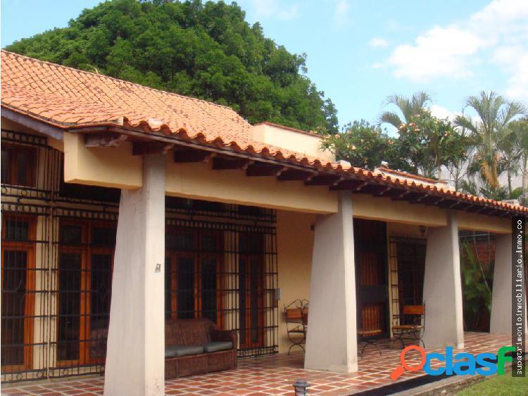 Hermosa casa en venta Urb Barrio Sucre en Maracay