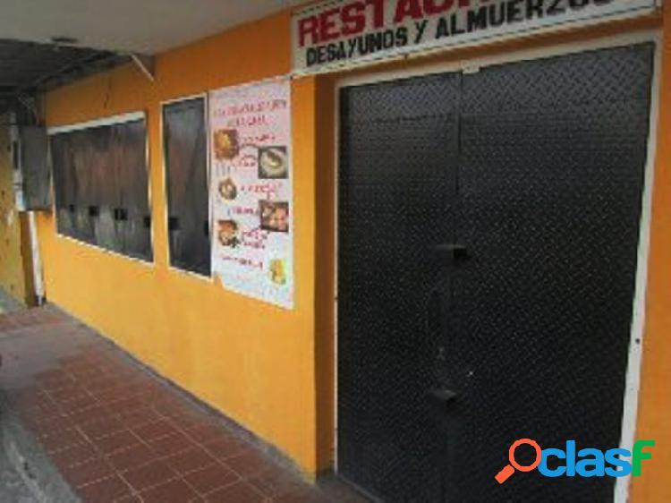 LOCAL COMERCIAL EN HOYO DE LA PUERTA