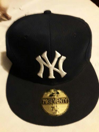 Nueva Gorra Yankes New York Cerrada Tall 7 1\4