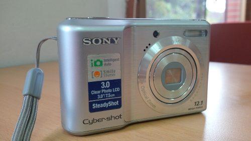 Camara Sony De 12.1 Megapixeles Con Accesorios
