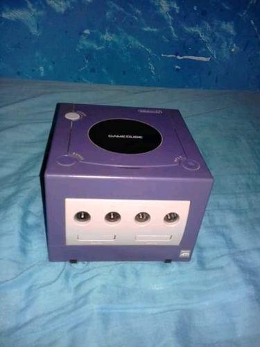 Nintendo Gamecube + Control + Juegos Originales (negociable)