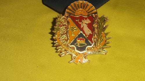 Remato Escudo Metalico De La Policia De Aragua, 1vrd, Leer