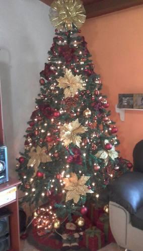 Arbol De Navidad Pino Con Adornos