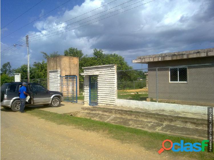 En Venta Casa en Tocuyito con extenso terreno