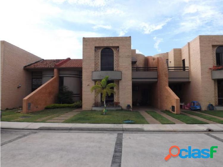 Townhouse en Venta Las Clavellinas Jt 19-9641