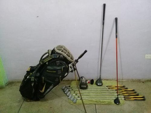 Juegos De Palos D Golf Mizuno Maleta Nike, Y Set Del 4 Al Pw