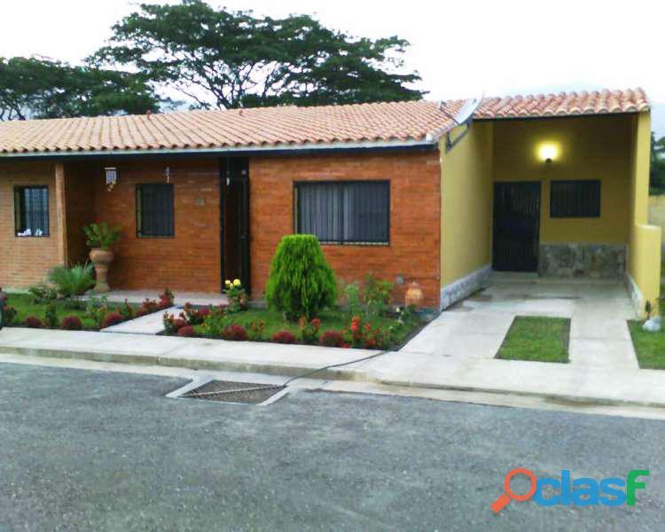 En venta bella y amplia casa en San Diego, Las Trianas.