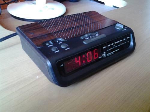 Radio Am Fm General Electric, Reloj Despertador