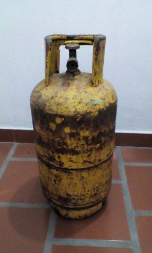 Bombona Cilindro De Gas Domestico De 10 Kg Color Amarillo