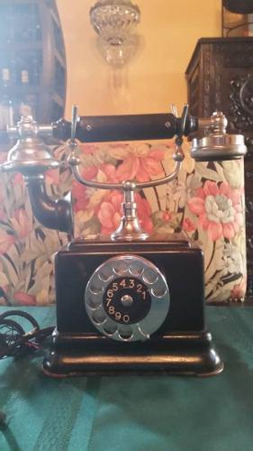 Una Joya Antiguo Telefono De Los Años 20 Fabricado En