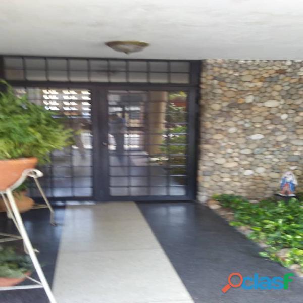 mervin rodriguez alquila apartamento amoblado en maracaibo.