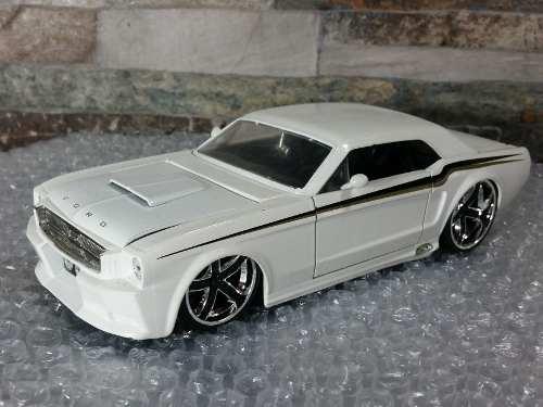 Carro De Coleccion Ford Mustang  Jada Escala 1/24
