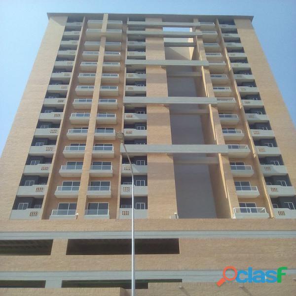 Hermoso apartamento en venta a estrenar en La Urb. Tazajal.