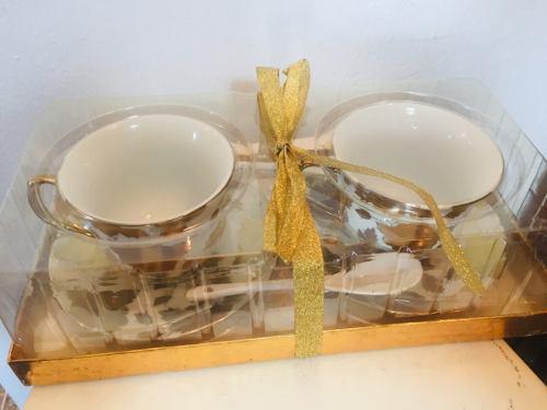 Tazas De Porcelana China Con Detalle En Oro Y 2 Cucharitas