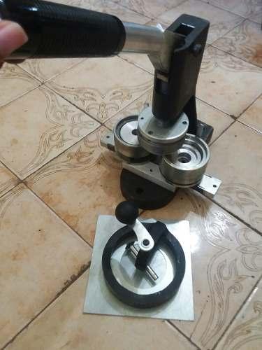 Maquina De Hacer Chapas 55mm En Lara