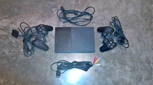 Play 2 En Exelente Estado 2 Controles 2 Juegos....