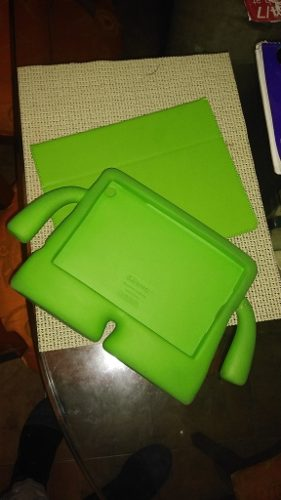 Forro De Goma Spekc Para iPad Mini Color Verde Usado