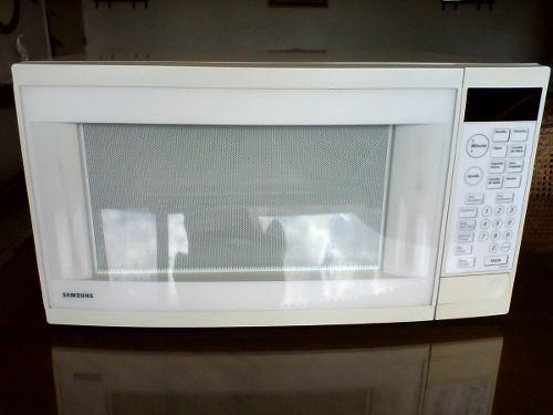 Horno Microondas Samsung / Grande 42 Litros / Perfecto / 70t