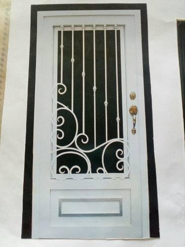 Puertas De Hierro Y Carpinteria