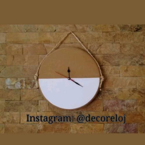Reloj De Pared Contemporáneo Minimalista A Mano Y Estilo