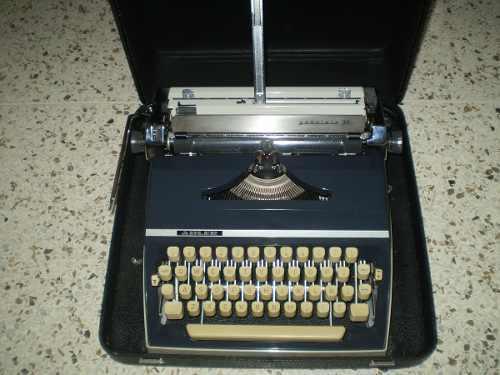 Máquina Escribir Antigua Adler Gabriele 35 C/estuche