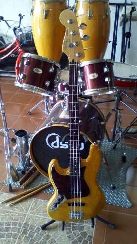 Bajo Eléctrico Marca Fender Jazz Bass Mano Izquierda