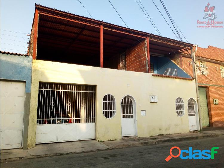 Casa en Urb. La Maracaya Cod. 19-10488 DYFC