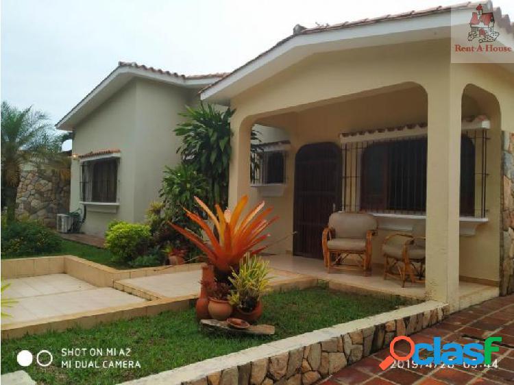 Casa en Venta Valles del Camoruco Nmm 19-9705
