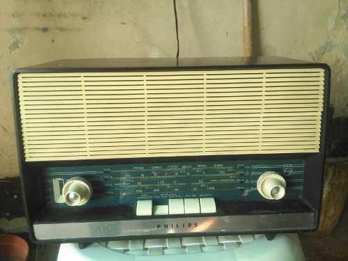 Radio Antiguo Marca Phillis