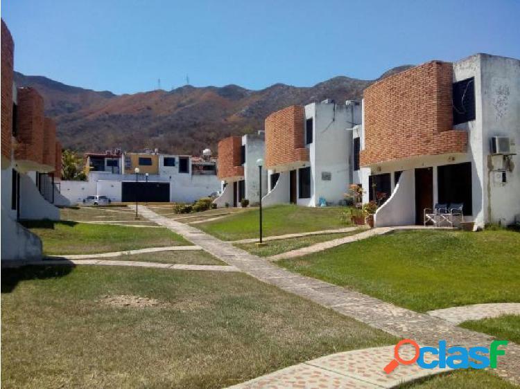 Townhouse en Venta Altos de la Esmeralda Er19-9186