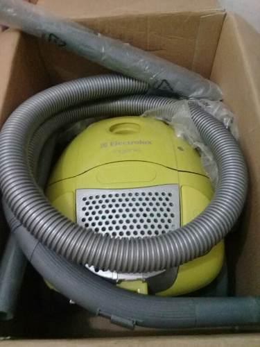 Aspiradora Electrolux Ingenio 1300 W