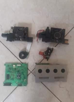 Piezas Para Reparacion De Gamecube, Incluyendo Un Control