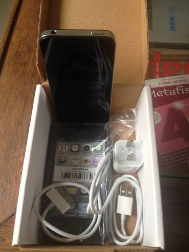 iPhone 4s De 16 Gb 3 G, Liberado Para Cualquier Operadora