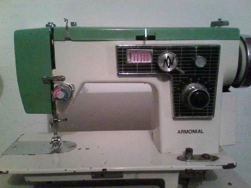 Máquina De Coser Marca Armonial
