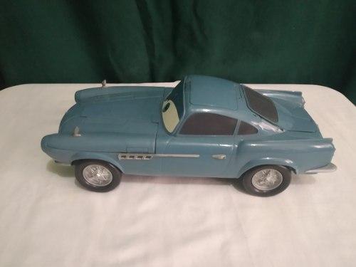 Carro Coleccionable De Cars 2 Del Agente Finn Mcmissile