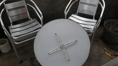 Juego De Sillas De Aluminio Con Tope De La Mesa.