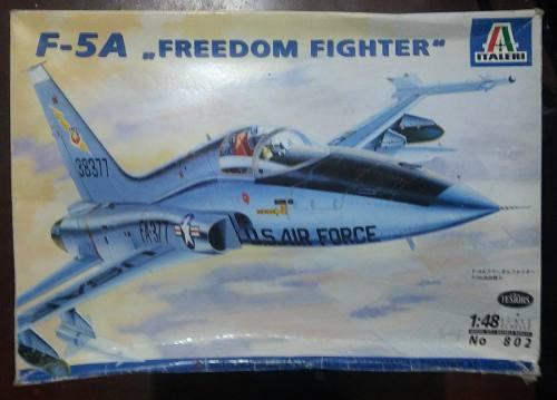 Avión F-5a, Esc 1:48 Italeri