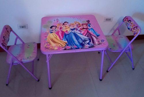 Mesa Y 2 Sillas Princesas Disney Para Niñas