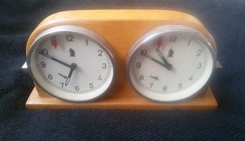 Reloj_de Ajedrez_de Madera Húngaro Años  Joya