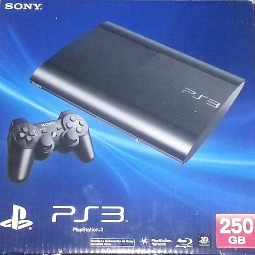 Consola Slim 250gb, Play 3 + 3 Juegos Físicos