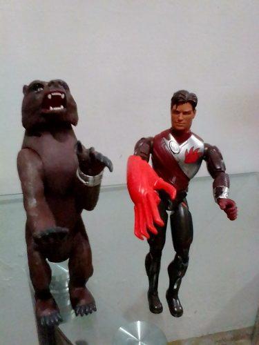 Muñeco Max Steel Ataque De Oso