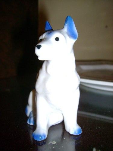 Figura De Porcelana Perro Bull Terrier En Blanco Y Azul