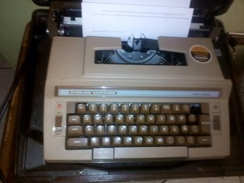 Maquina De Escribir Electrica Marca Sterling Cartridge