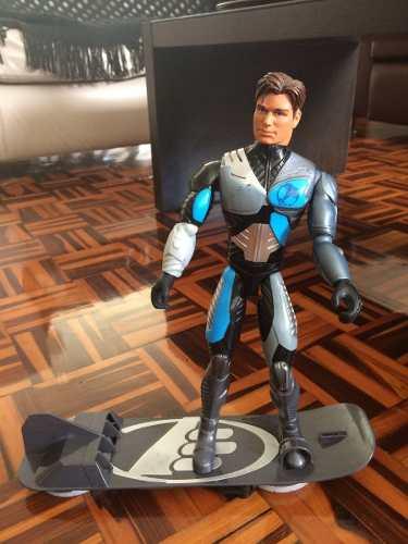 Muñeco Max Steel Con Aerodesliazador
