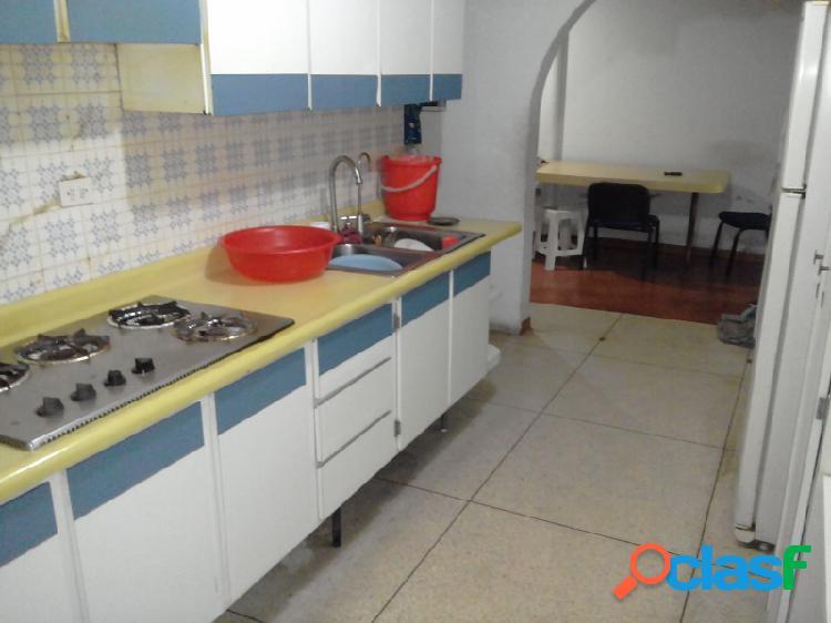 Amplia Casa ideal para comercio en Naguanagua