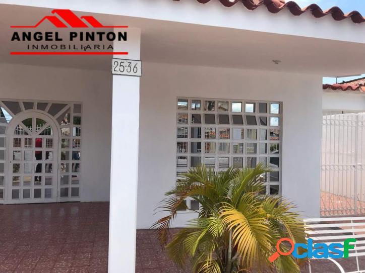 CASA COMERCIAL EN VENTA URB. SUCRE MARACAIBO API 2270