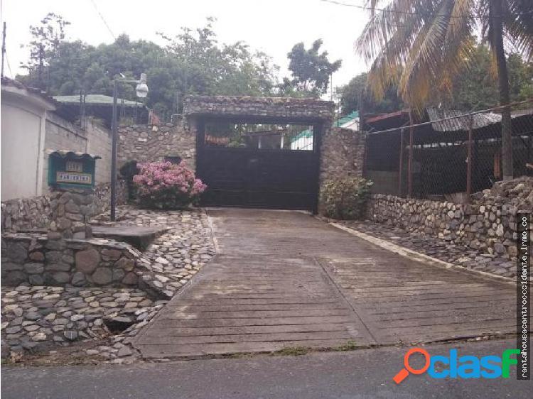 Casa Granja en Venta en El Manzano Barquisimeto