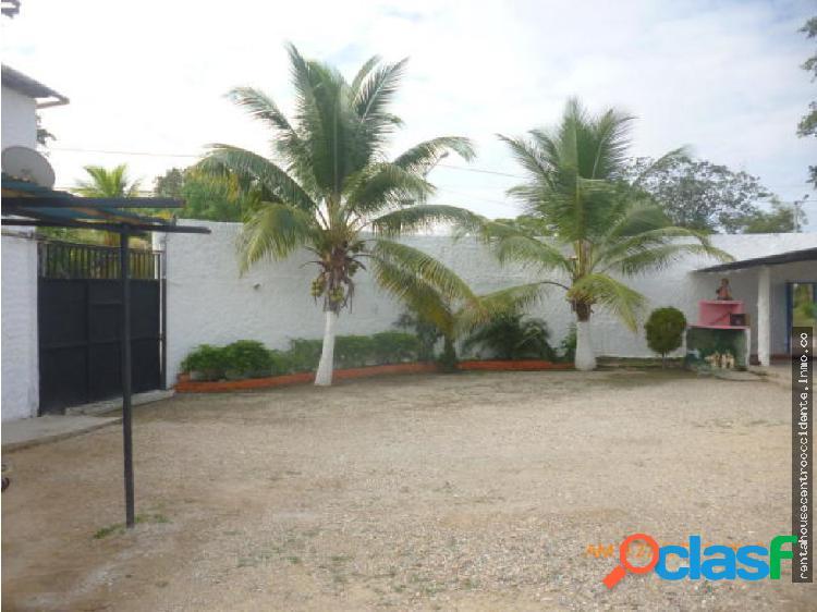 Casa Granja en Venta en la Ensenada Yaracuy